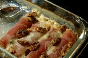 Endives gratinées au jambon, gorgonzola et noix