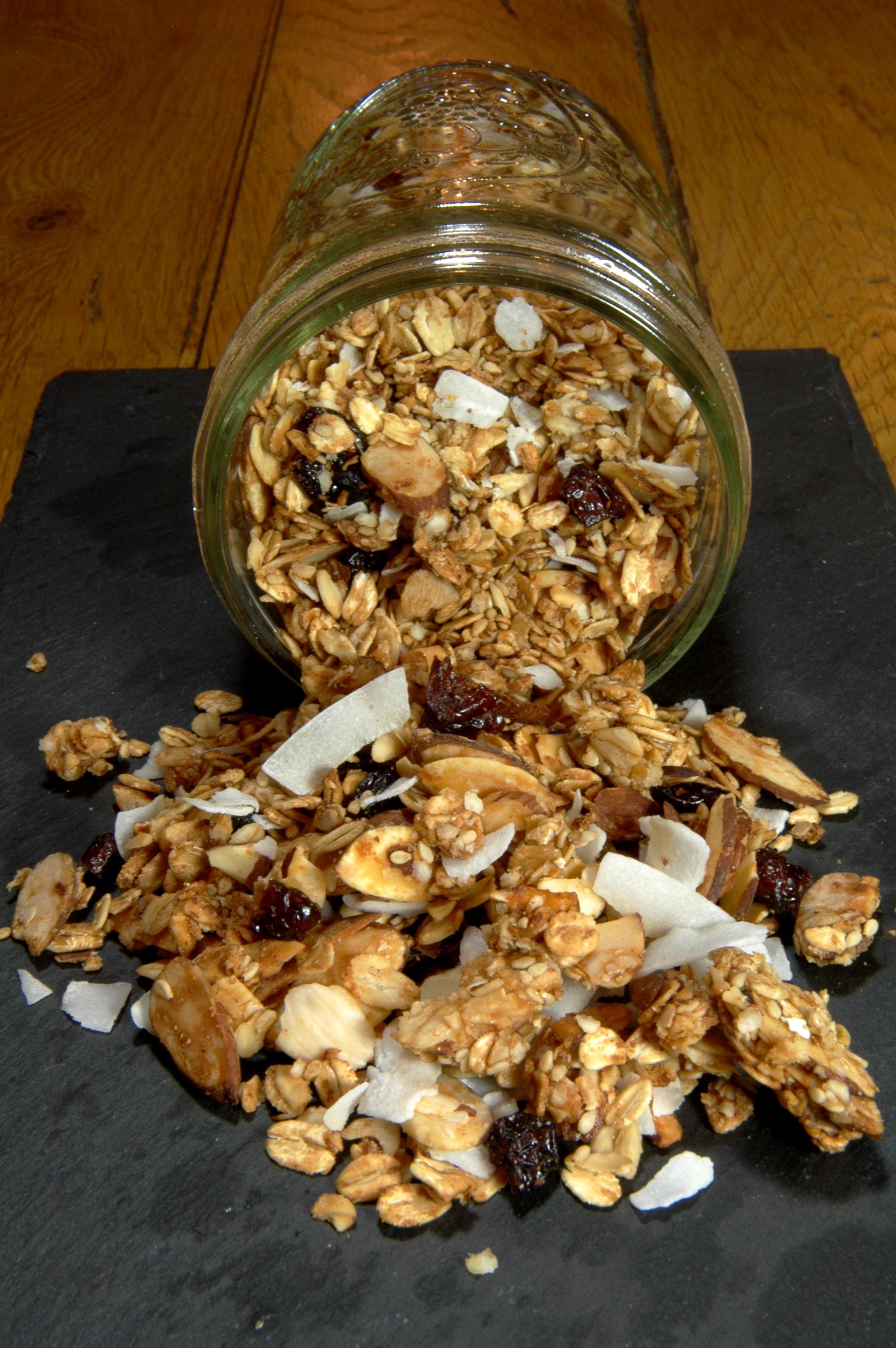 Granola maison amande, noix de coco et miel