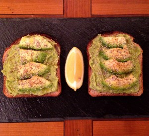 Avocado Toast / Toast à l'avocat