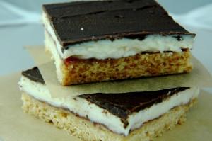 barres au cream cheese, chocolat et framboise de Margaret