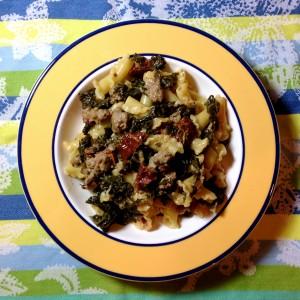 Campanelle sauce crémeuse au chou kale, saucisse et tomates séchées
